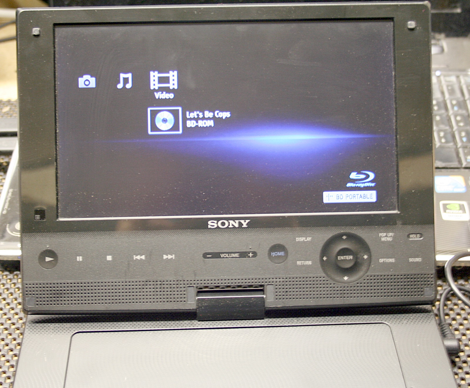 sony 9 inch portable blu ray disc dvd player bdp sx910. Black Bedroom Furniture Sets. Home Design Ideas
